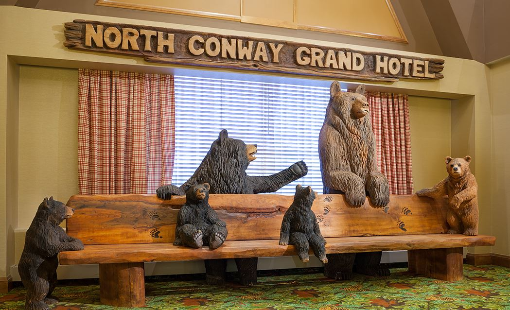 North Conway Grand Hotel - Grand Lobby Bear Bench