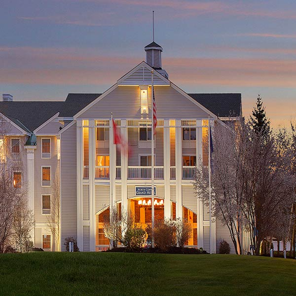 North Conway, New Hampshire Hotel - North Conway Grand Hotel